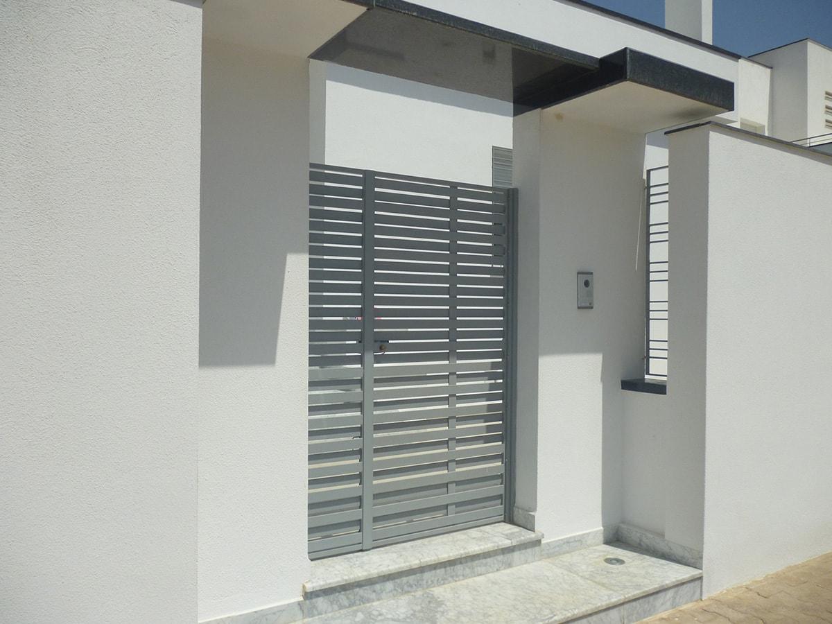 Villa moderne en tunisie facade for Maison design moderne